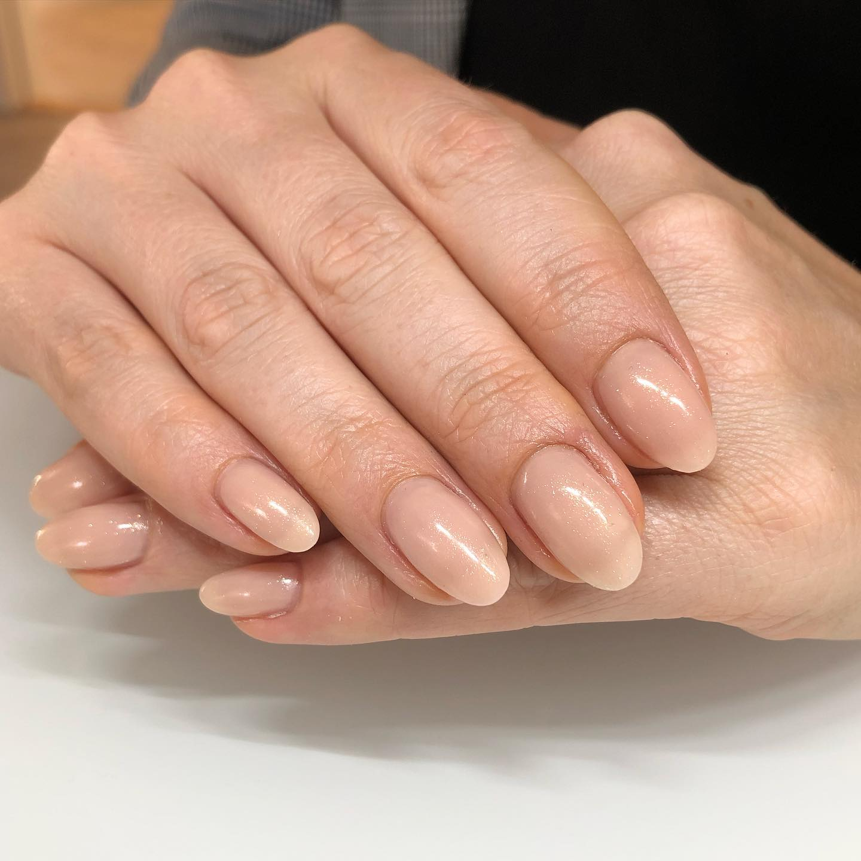 Naturlige negle hos Hasseris Skin Lounge